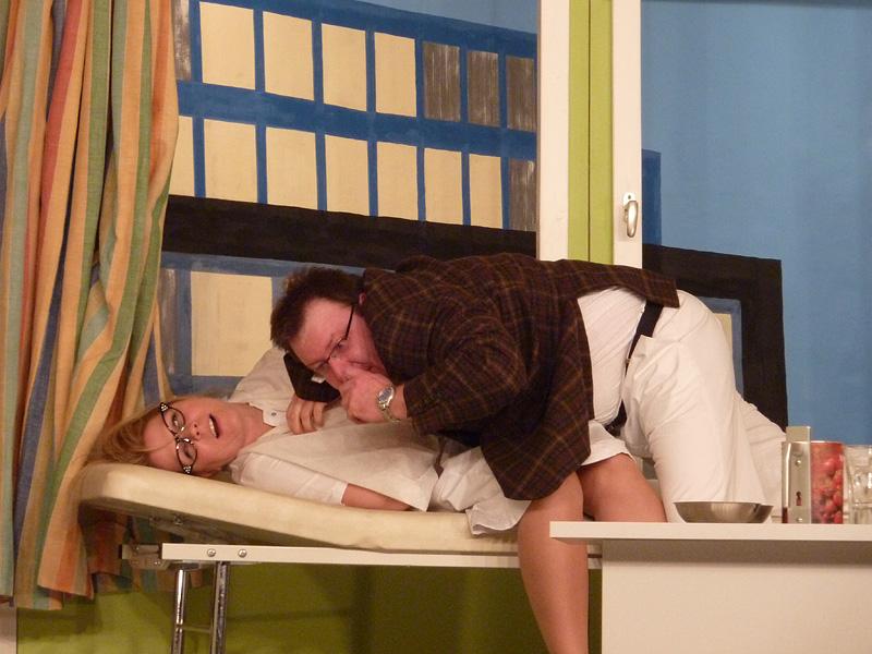 Bühnenstück 2011 – Und alles auf Krankenschein